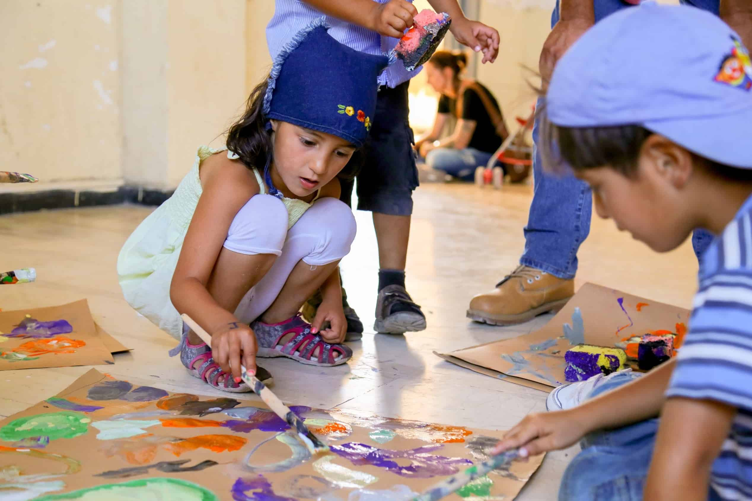 Children-painting-2