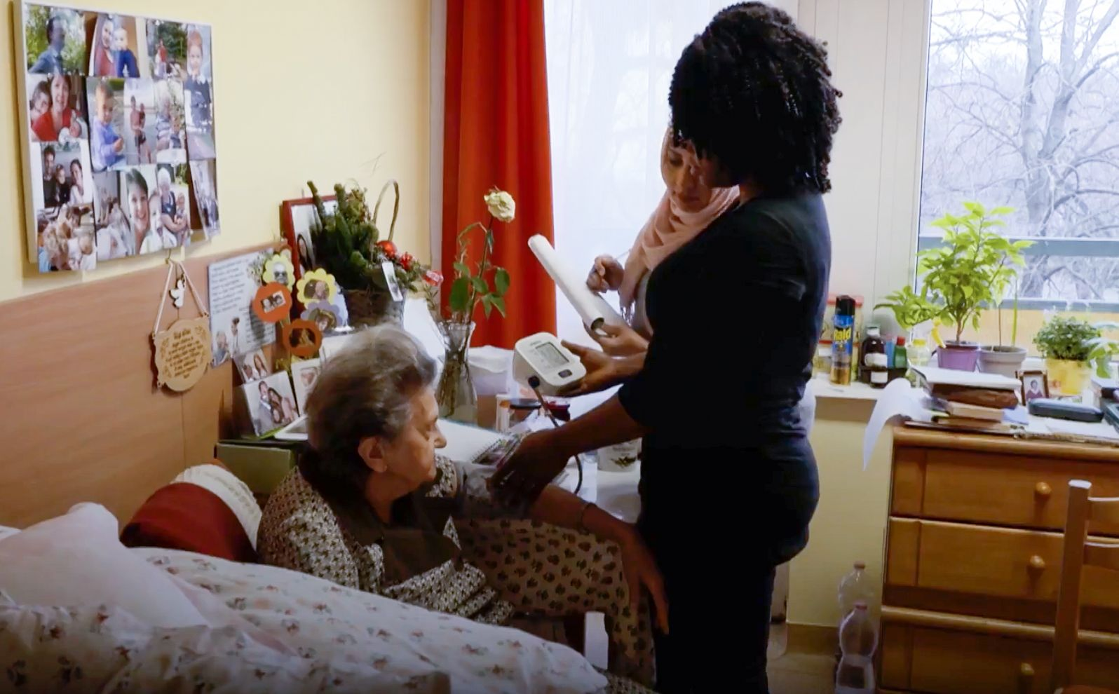 How to become a caregiver in Italy